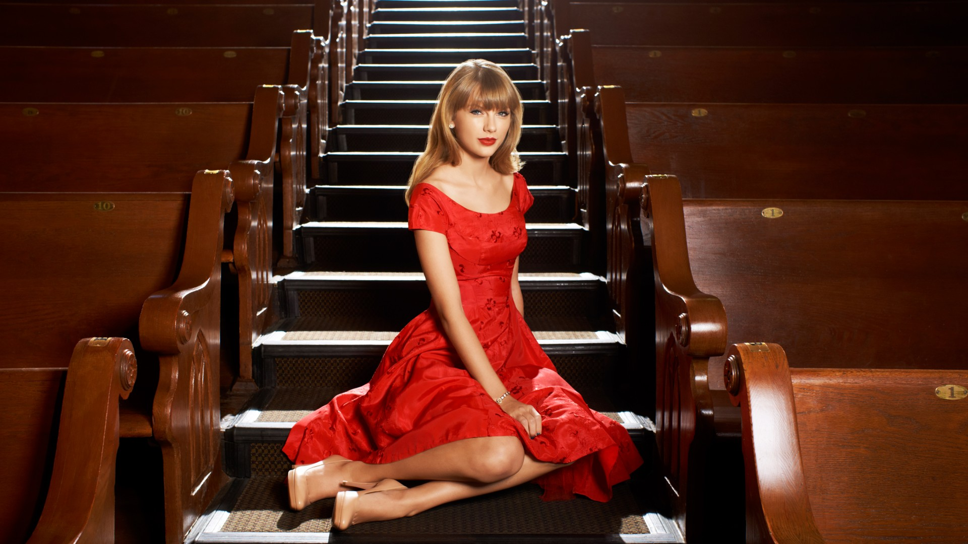 taylor,frock,clip,cherry,groom,celebrities,fast,taylor swift,sceloporus occidentalis,swift,in,fleet,dress,garnish,curry,red,coiffure
