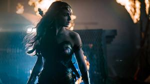 Gal Gadot As Wonder Woman In Justice League Free Photo Wallpaper