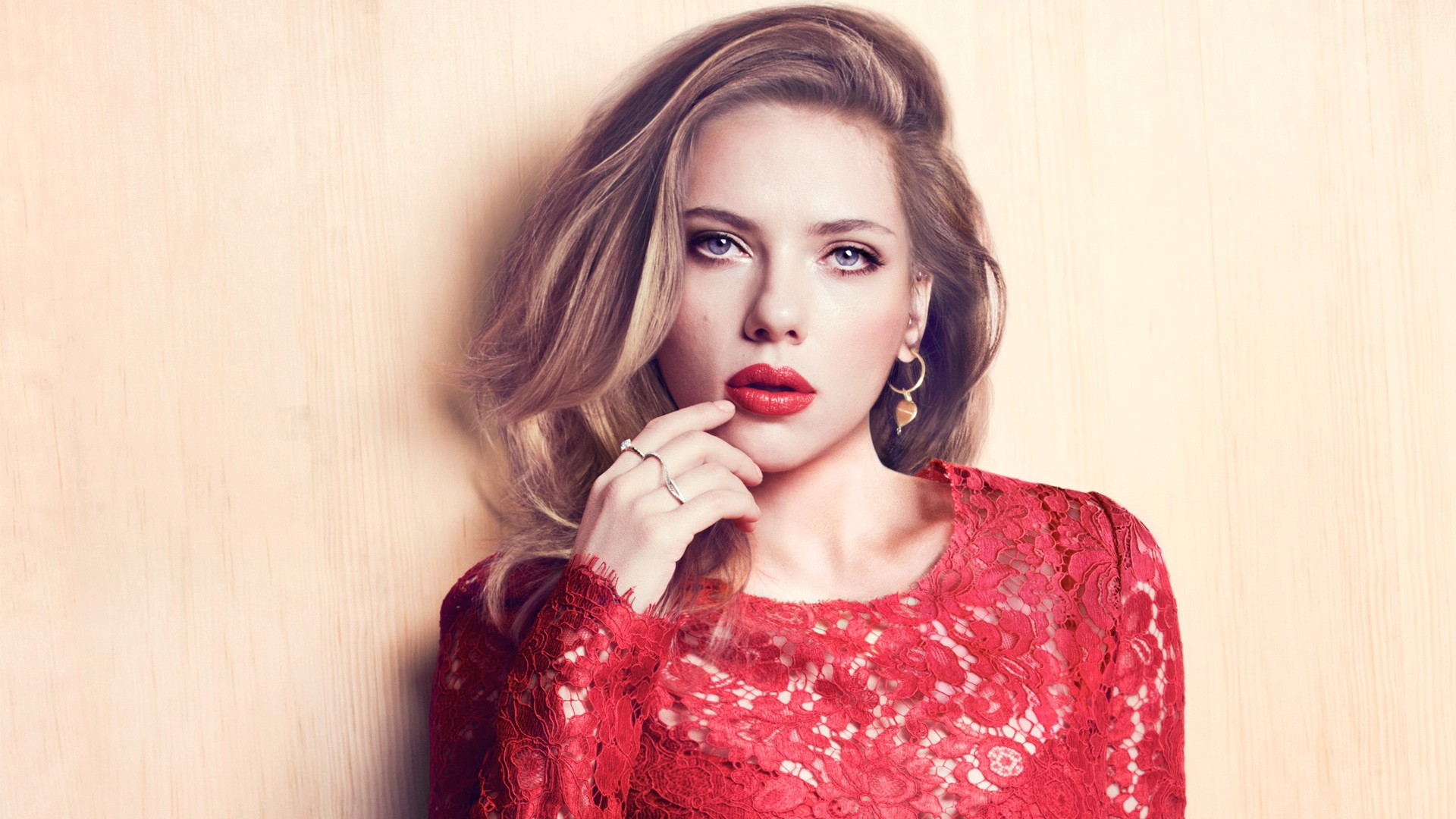 red river,marie,claire,fit,pinko,cherry,celebrities,johansson,kit,scarlet,red,scarlett,crimson,outfit,ruby,scarlett johansson,getup,redness