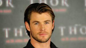 Chris Hemsworth Eyes Hairstyle Background Free Wallpaper HQ
