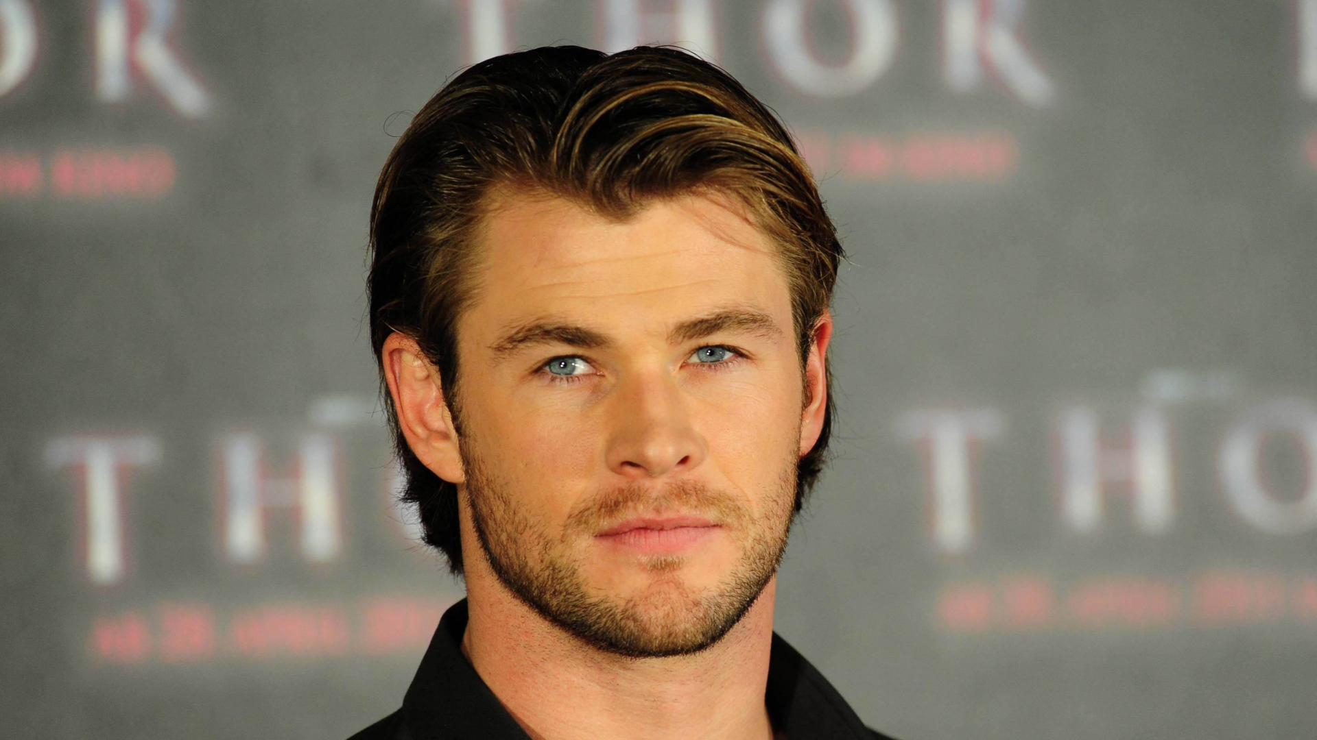 eyes,chris hemsworth,center,oculus,peeper,background,hairstyle,celebrities,middle,setting,backcloth,scope,chris,background signal,hemsworth,background knowledge,ground