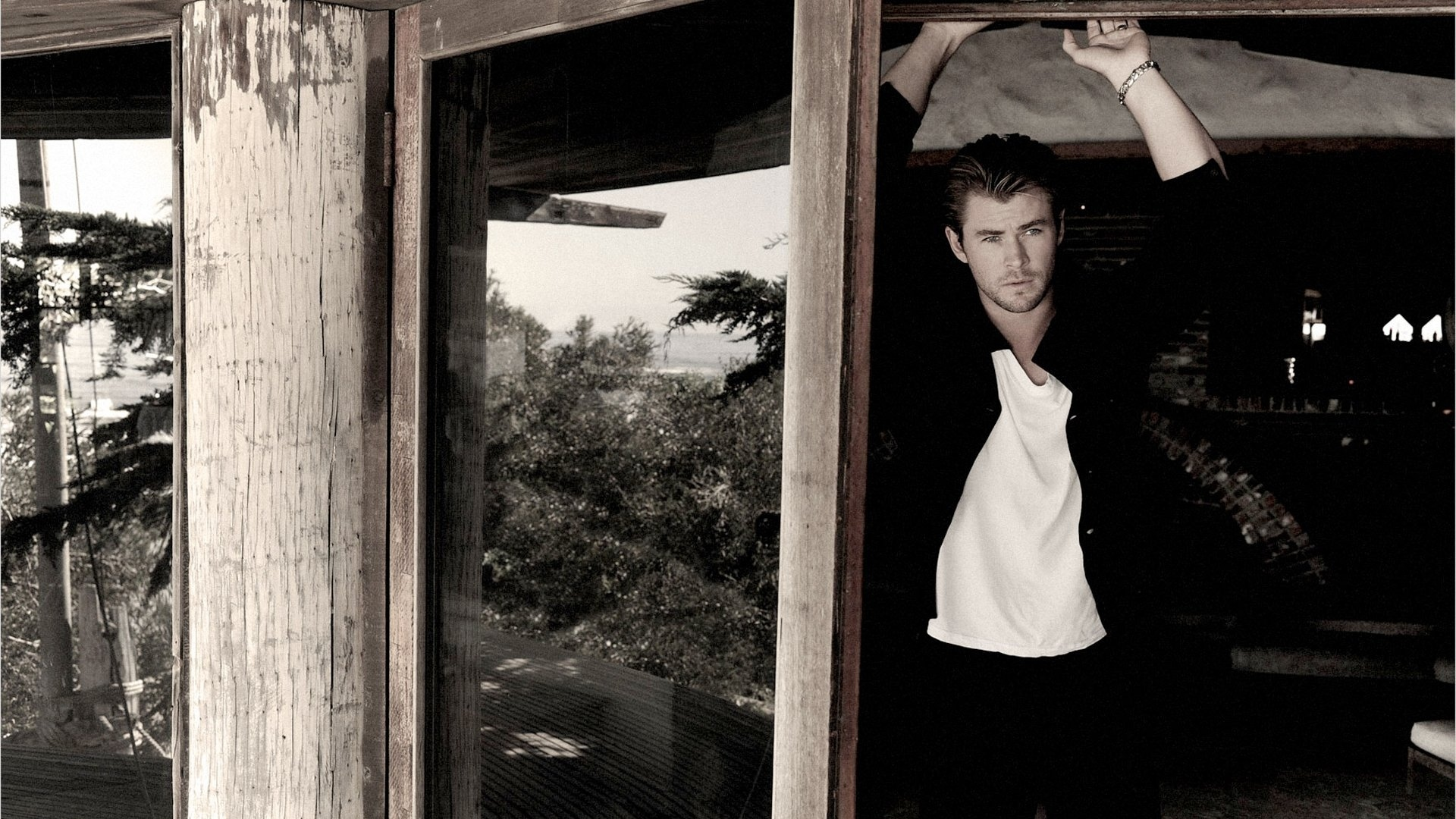 chris hemsworth,celebrity,famous person,celebrities,renown,chris,hemsworth,photoshoot,fame