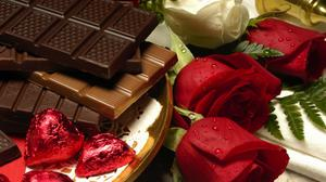 Modeling Roses And Chocolate Decoration Free HQ Image