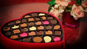 Valentines Day Chocolate Heart Candy Free Download Wallpaper HQ