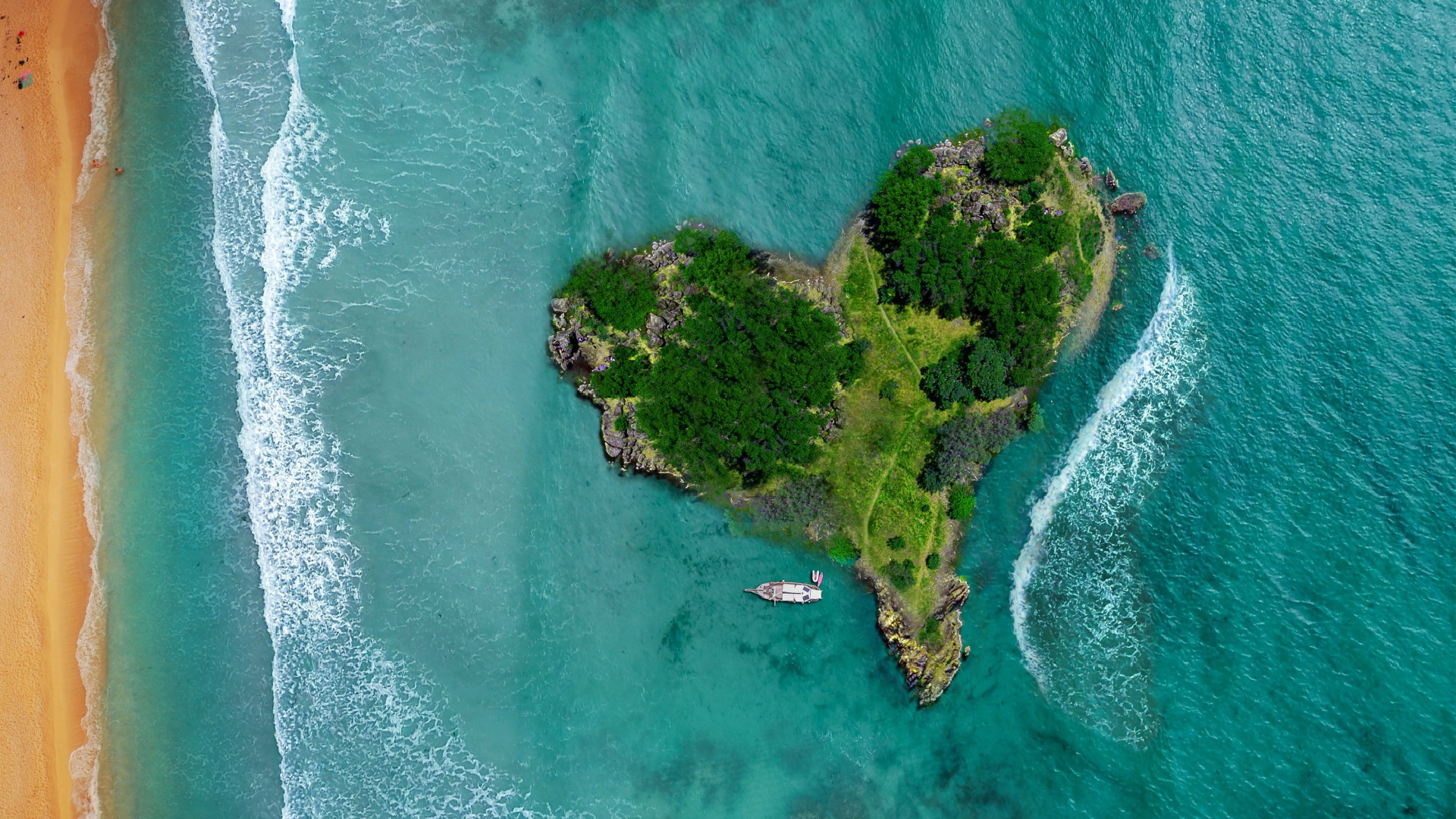 prospect,heart,aerial,summer,honeymoon,warmheartedness,transmitting aerial,shape,sight,love,nub,spunk,vacation,tropical,holiday,beach,gist,substance,center,shaped,of,seaside,air,island,view
